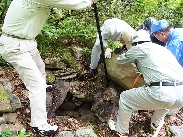 大岩の除去
