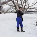 初めての雪下ろしに感激する平井君